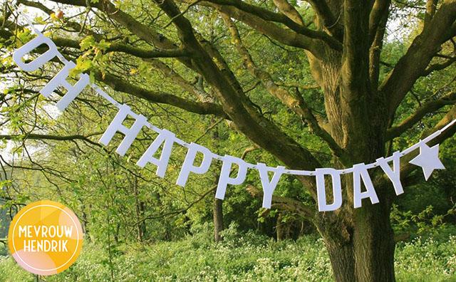 Vilten letterslinger Oh Happy Day van Mevrouw Hendrik