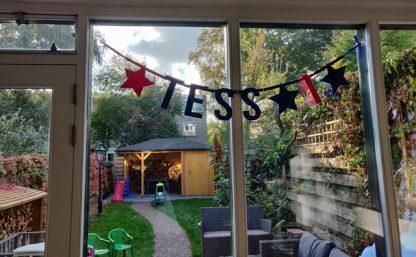 Vilten verjaardagsslinger Tess 1 jaar van Mevrouw Hendrik
