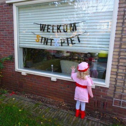 Vilten letterslinger Welkom Sint & Piet - Mevrouw Hendrik viert Sinterklaas