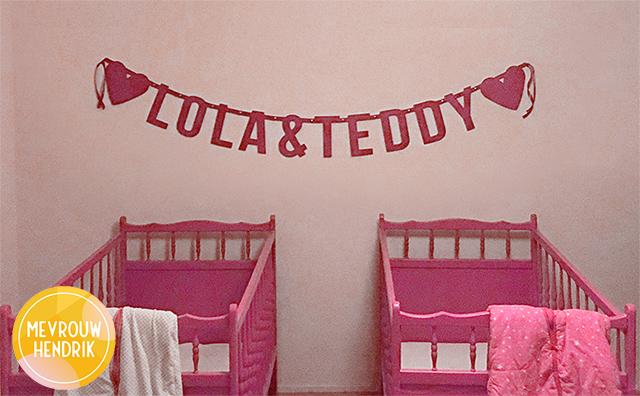 vilten naamslinger voor tweeling Lola & Teddy van Mevrouw Hendrik