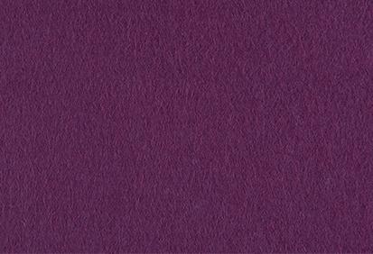 Paarse vlinder van vilt voor naamslinger van Mevrouw Hendrik