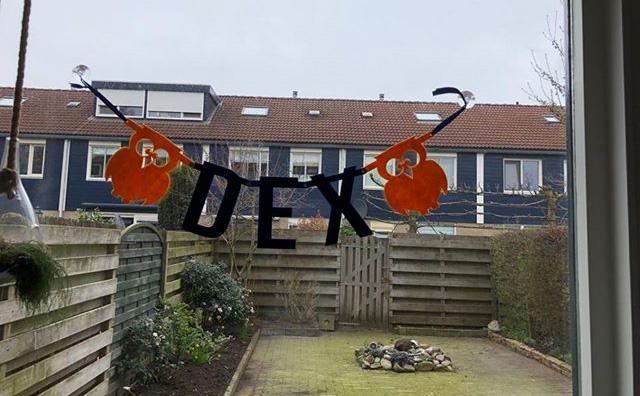 Vilten naamslinger Dex van Mevrouw Hendrik