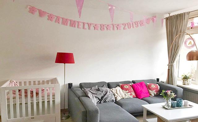 Vilten naamslinger met geboortedatum Ammely