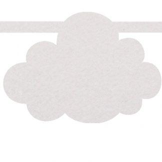 Vilten wolkje in wit voor aan je naamslinger van Mevrouw Hendrik