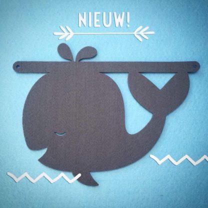 Nieuw: een vilten walvis voor aan je naamslinger van Mevrouw Hendrik