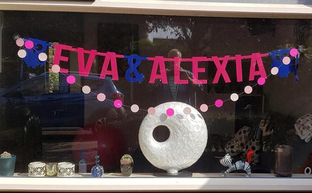 Eva & Alexia, vilten naamslinger voor tweeling - Mevrouw Hendrik