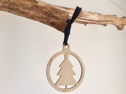 Lasercut houten kersthanger met in de vorm van kerstboom minimalistisch voor kerstmis van het merk Mevrouw Hendrik